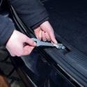 Ventilační hák do kufrových dveří auta pro převoz psa v autě