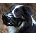 Plastový náhubek na psa černý